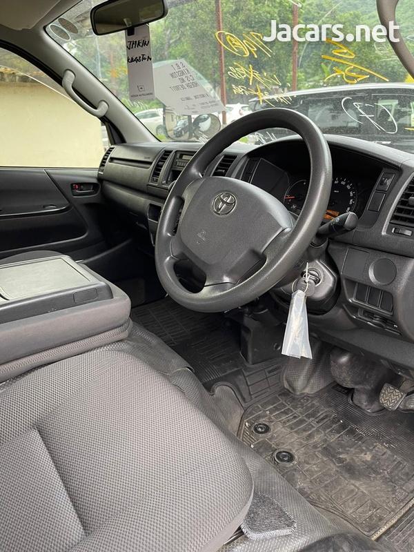 Toyota Hiace 2,0L 2016-6