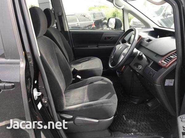 Toyota Noah 1,8L 2012-6