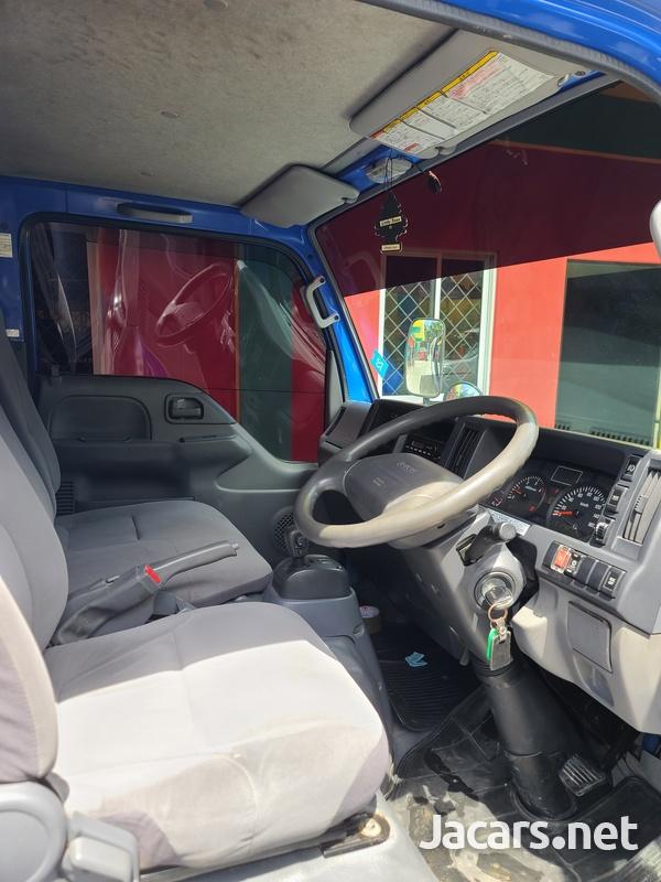 Isuzu Box Body Truck 3,5L 2012-7