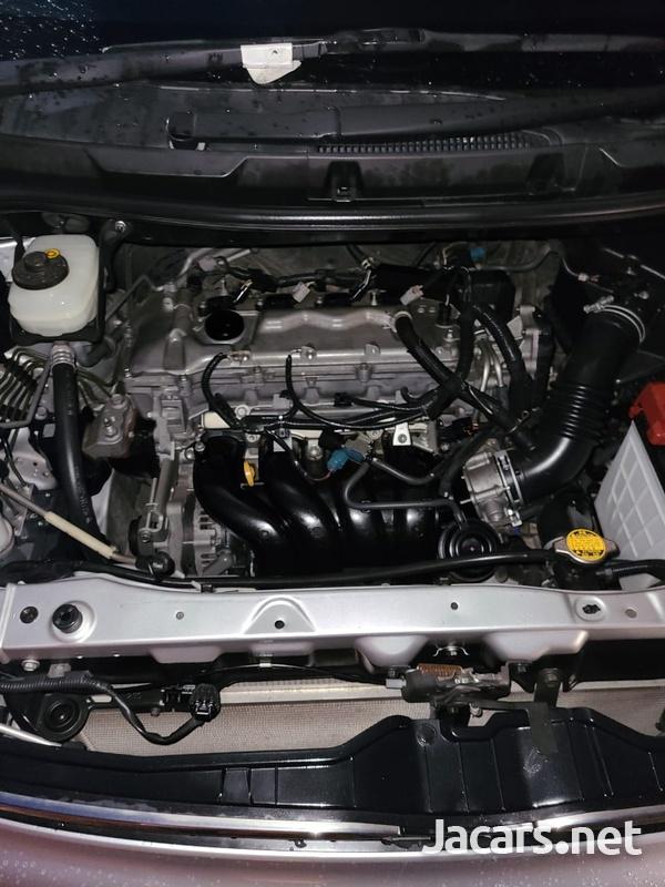 Toyota Voxy 2,0L 2011-11