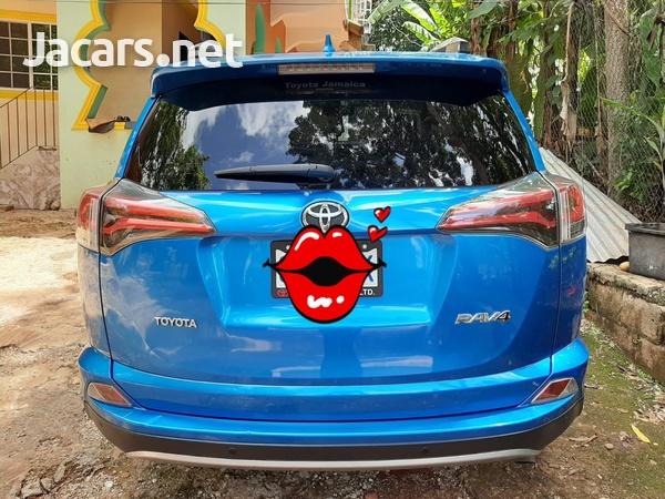 Toyota Hilux 2,8L 2017-7