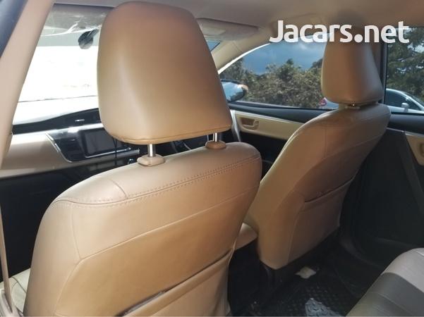 Toyota Corolla Altis 1,6L 2014-6