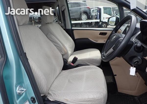 2014 Toyota Voxy-2