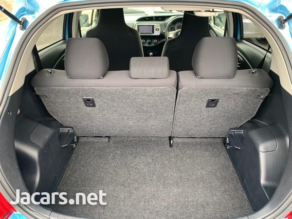 Toyota Vitz 1,3L 2014-6