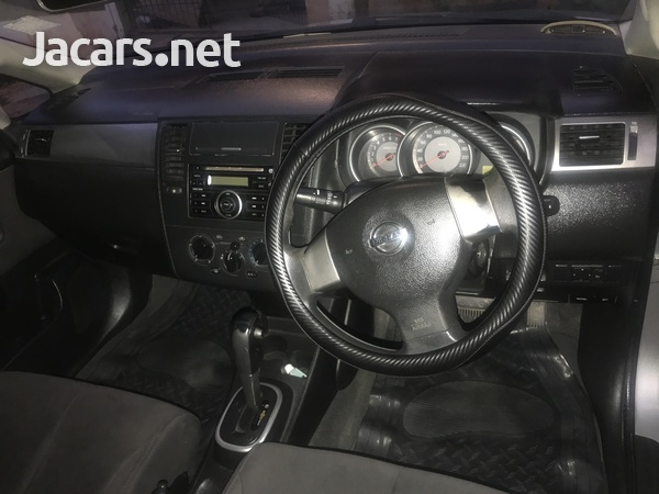 Nissan Tiida 1,5L 2006-5