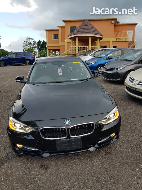 BMW 3-Series 3,0L 2012-4