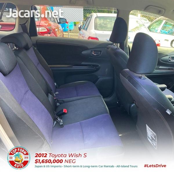 Toyota Wish 2,0L 2012-6