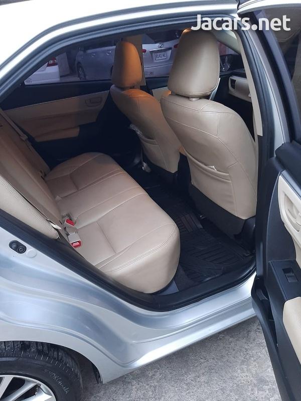 Toyota Corolla Altis 1,6L 2014-8