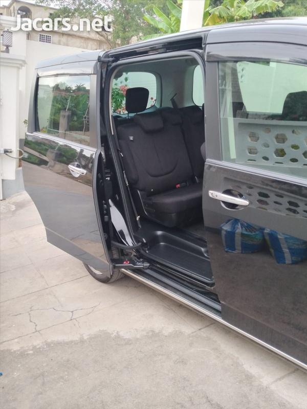Mazda Biante 2,0L 2012-2