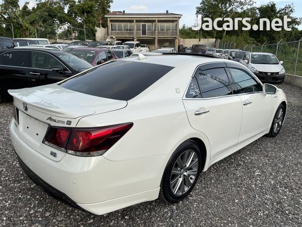 Toyota Crown 2,5L 2014-4