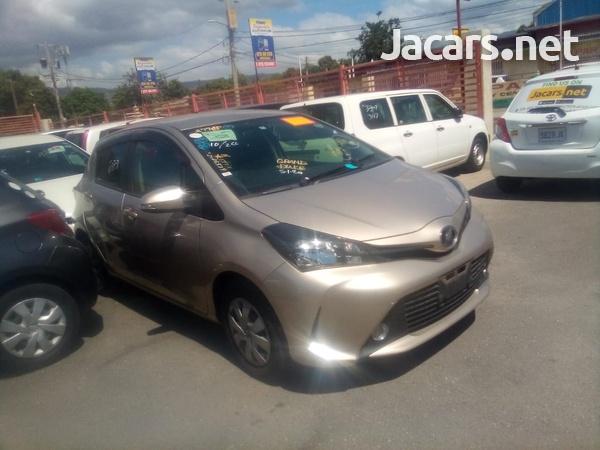 Toyota Vitz 1,3L 2014-1