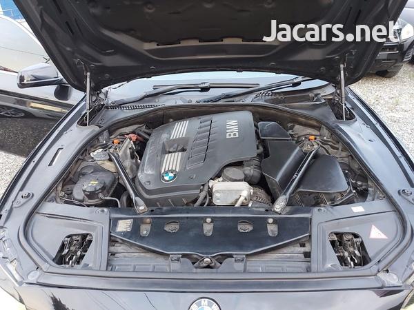 BMW 5-Series 2,5L 2011-3