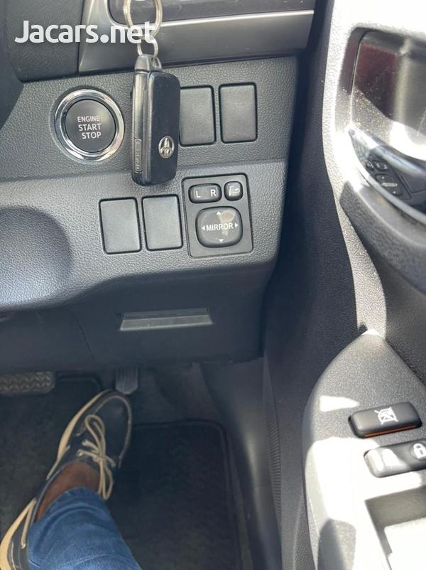 Toyota Ractis 1,5L 2012-10