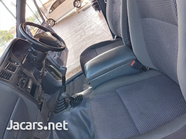 Toyota Hilux 2,7L 2005-11