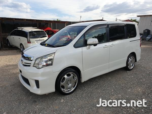 2011 Toyota Noah S-1