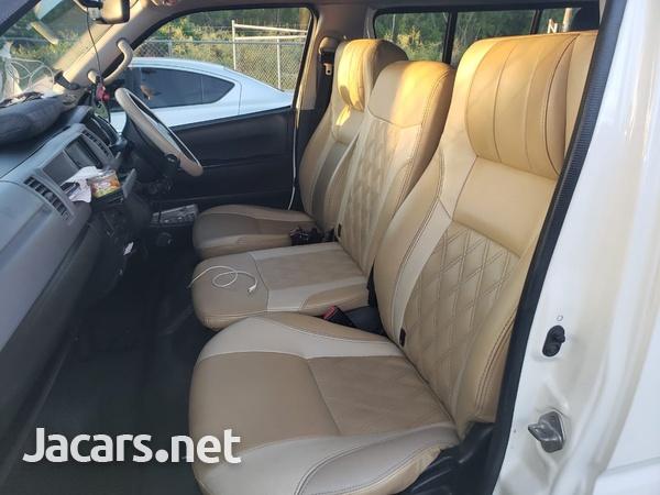 Toyota Hiace 2,7L 2013-7
