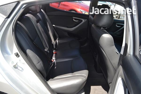 Hyundai Elantra 1,5L 2015-9