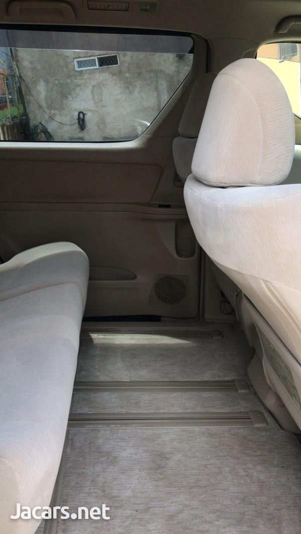 Toyota Vellfire 2,0L 2013-10