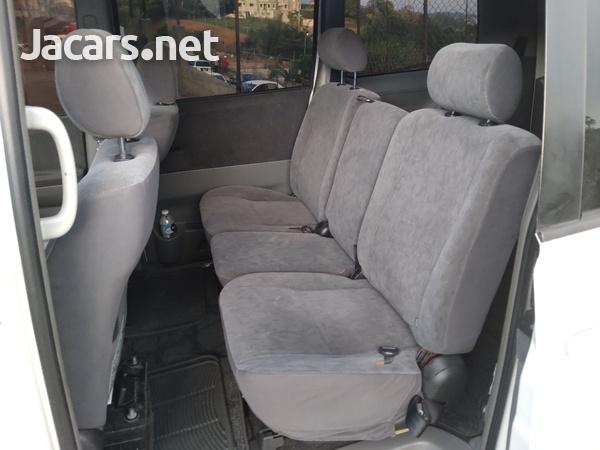 Toyota Voxy 2,0L 2005-4