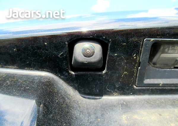 Toyota Fielder 1,5L 2013-12