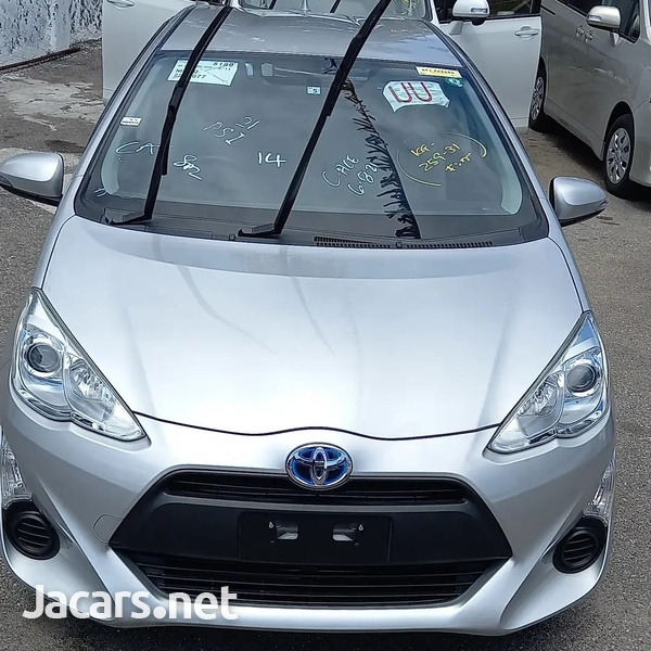 Toyota Aqua 1,5L 2016-1