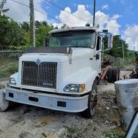 2001 International 9400 Roll off Truck