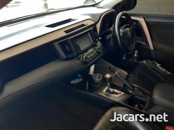Toyota RAV4 2,0L 2016-10
