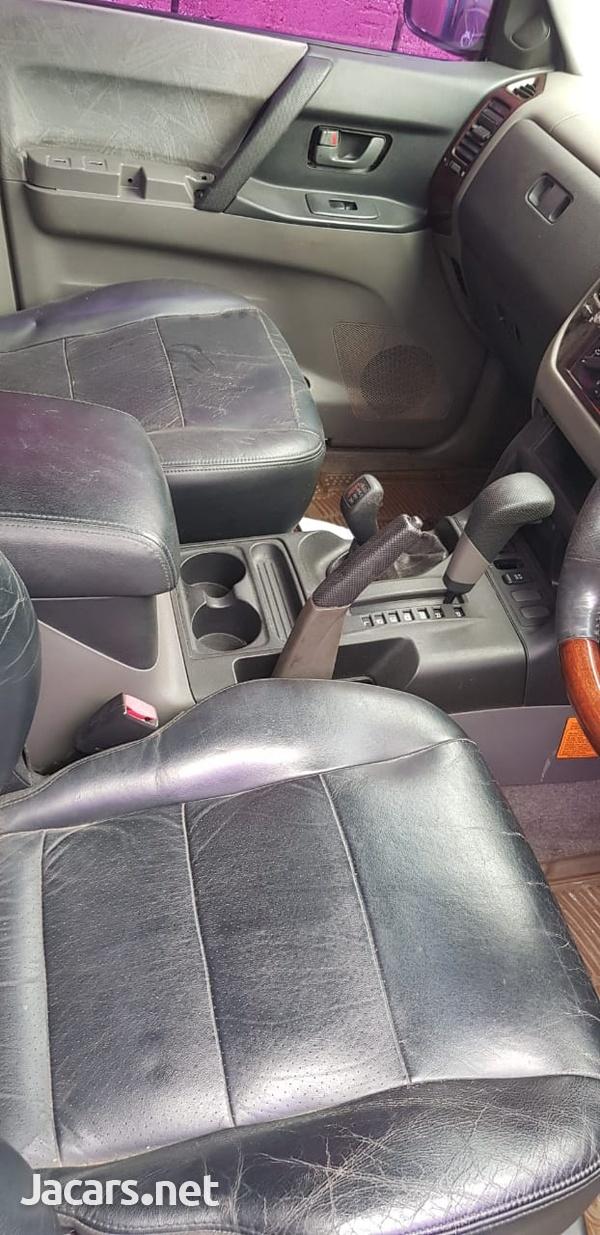 Mitsubishi Pajero 2,0L 2001-4