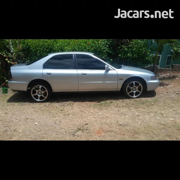 Honda Accord 1,5L 1996-3