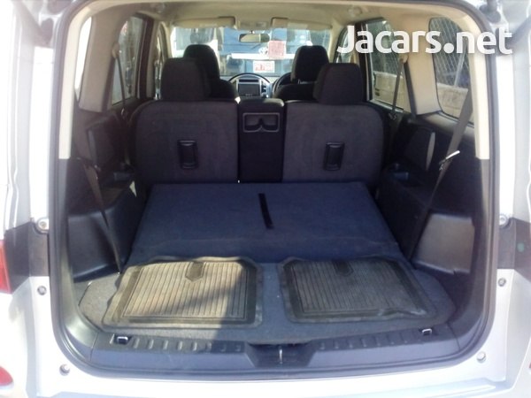 Nissan LaFesta 2,0L 2012-8