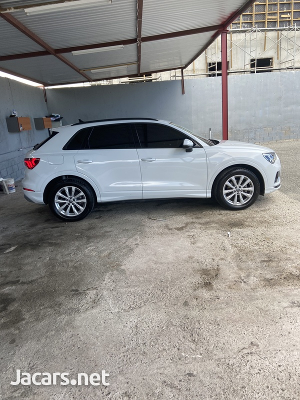 Audi Q3 2,0L 2020-2