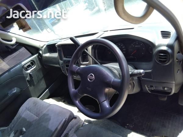 Nissan Caravan 2,0L 2012-3
