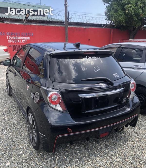 Toyota Vitz 1,2L 2012-1