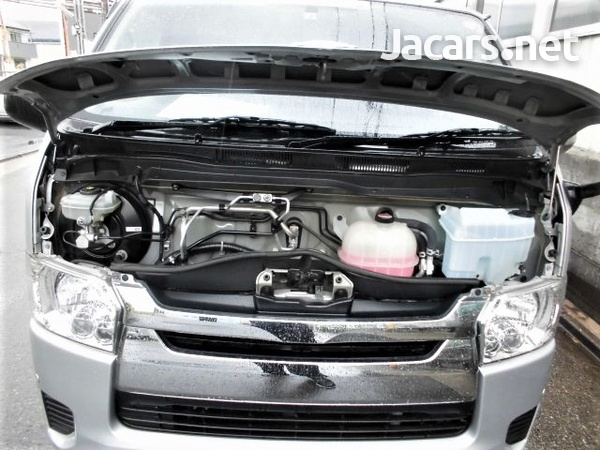 Toyota Hiace Van 2,0L 2016-9