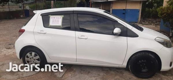 Toyota Vitz 1,0L 2012-3
