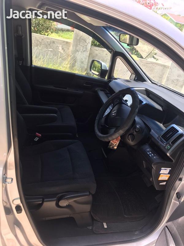 Honda Stepwgn Spada 2,0L 2011-5