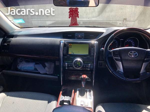 Toyota Mark X 2,5L 2012-10