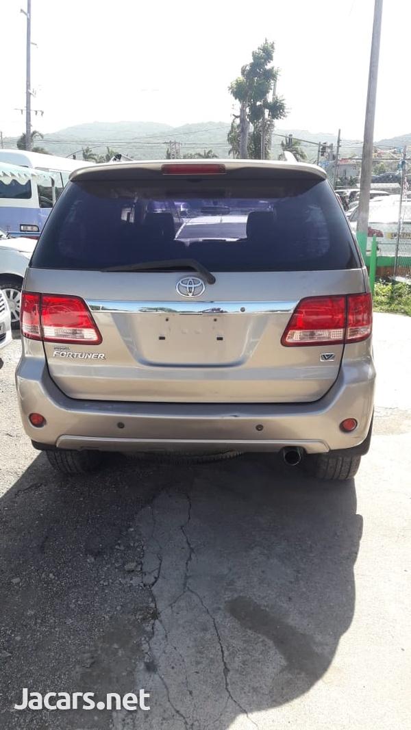 Toyota Fortuner 2,7L 2008-3