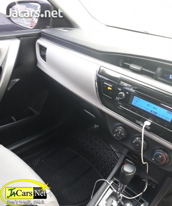 Toyota Corolla 2015-6