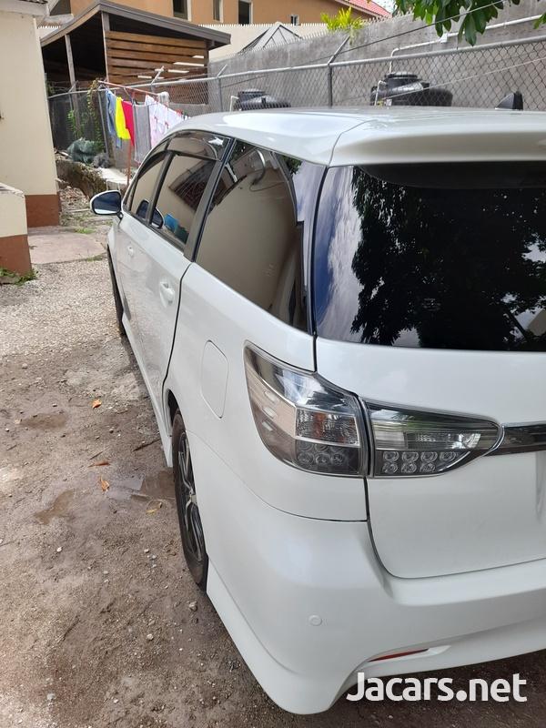 Toyota Wish 1,8L 2013-4