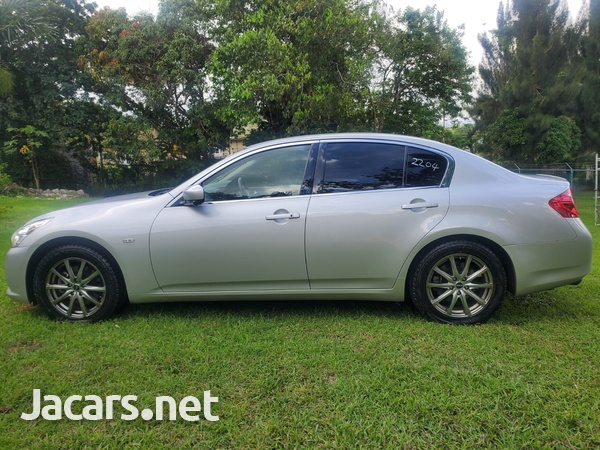 Nissan Skyline 2,5L 2012-4