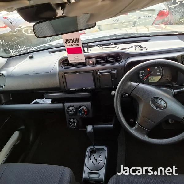 Toyota Probox 1,5L 2017-9