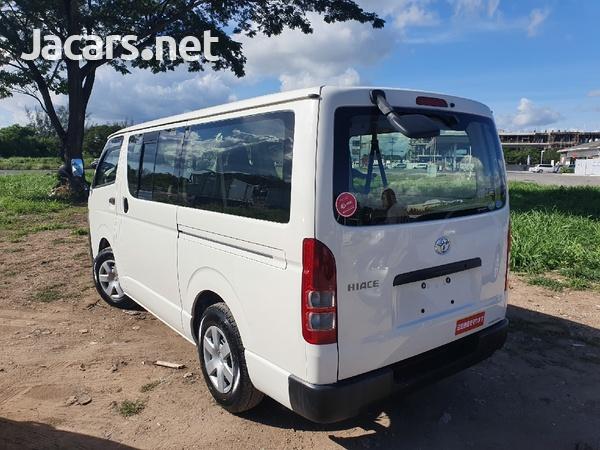 Toyota Haice Bus 2,0L 2013-3