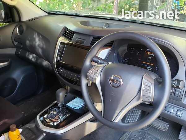 Nissan Frontier 2,5L 2020-8