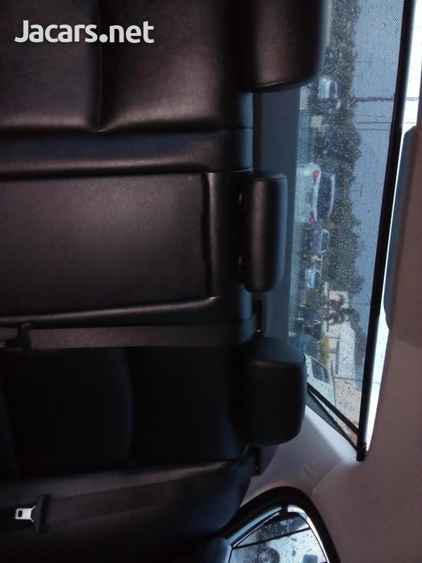 BMW 5-Series 2,9L 2012-12