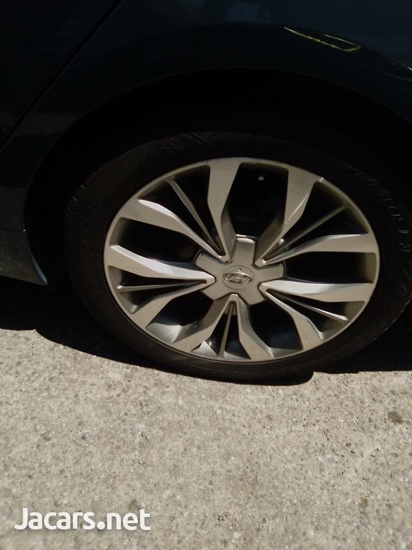 Hyundai Sonata 2,0L 2015-6
