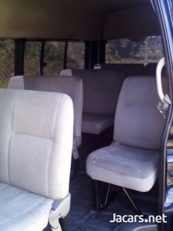 2008 Toyota Hiace Bus-5