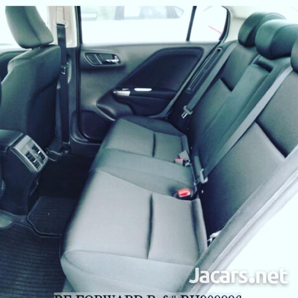 Honda Grace 1,5L 2015-7