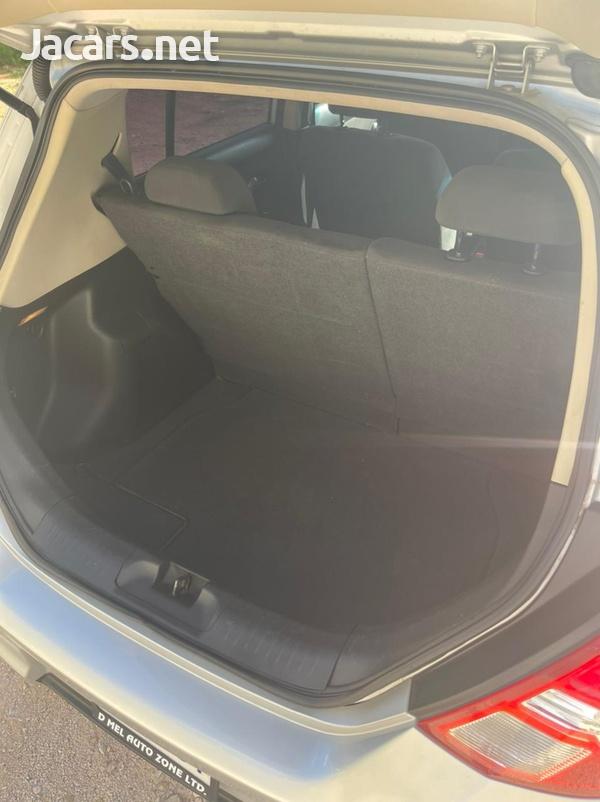 Nissan Tiida 1,5L 2012-6