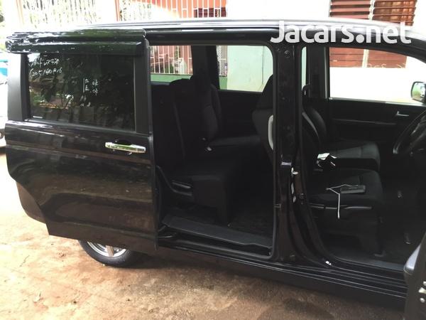 Honda Step wagon 1,8L 2012-5